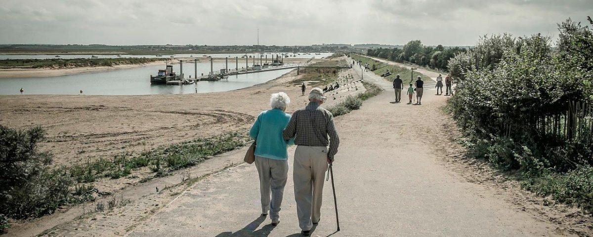 pareja anciana Agencia matrimonial en Santander